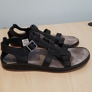 Chacos black leather Comfort sandal with Arch 9